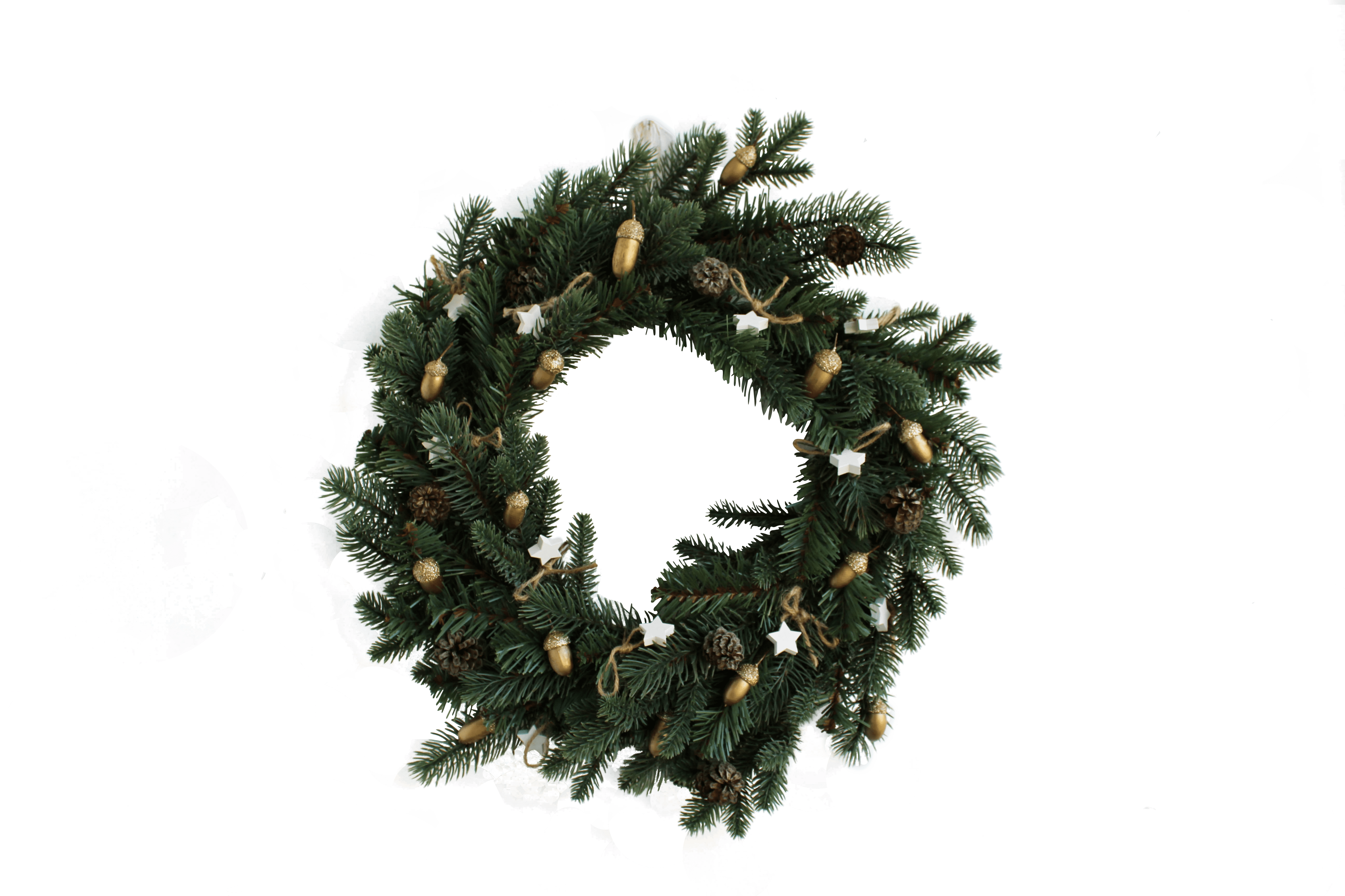 christmas wreath transparent background.png